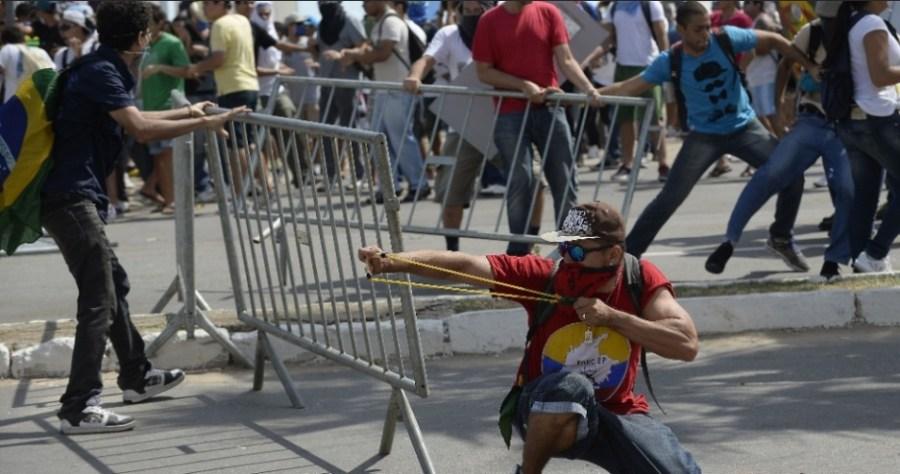 Resultado de imagem para violencia nas manifestações