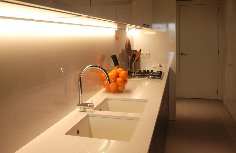 Iluminación de interiores. en cocinas