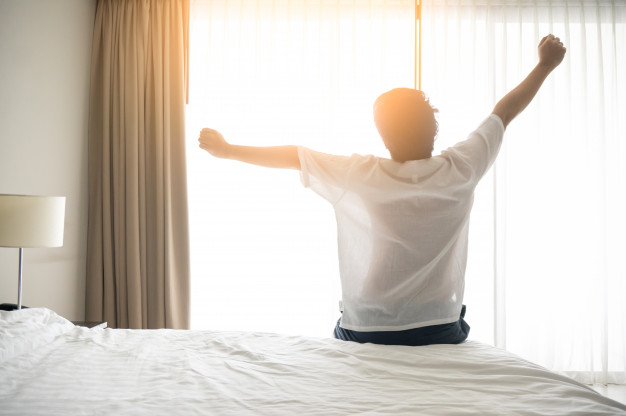 """ตื่นเช้ามาควร """" คิดบวก """" อย่างไรให้เริ่มวันใหม่ได้อย่างมีสุขทุกวัน 🤔🙂😎✌🏻👌🏻💪🏻"""
