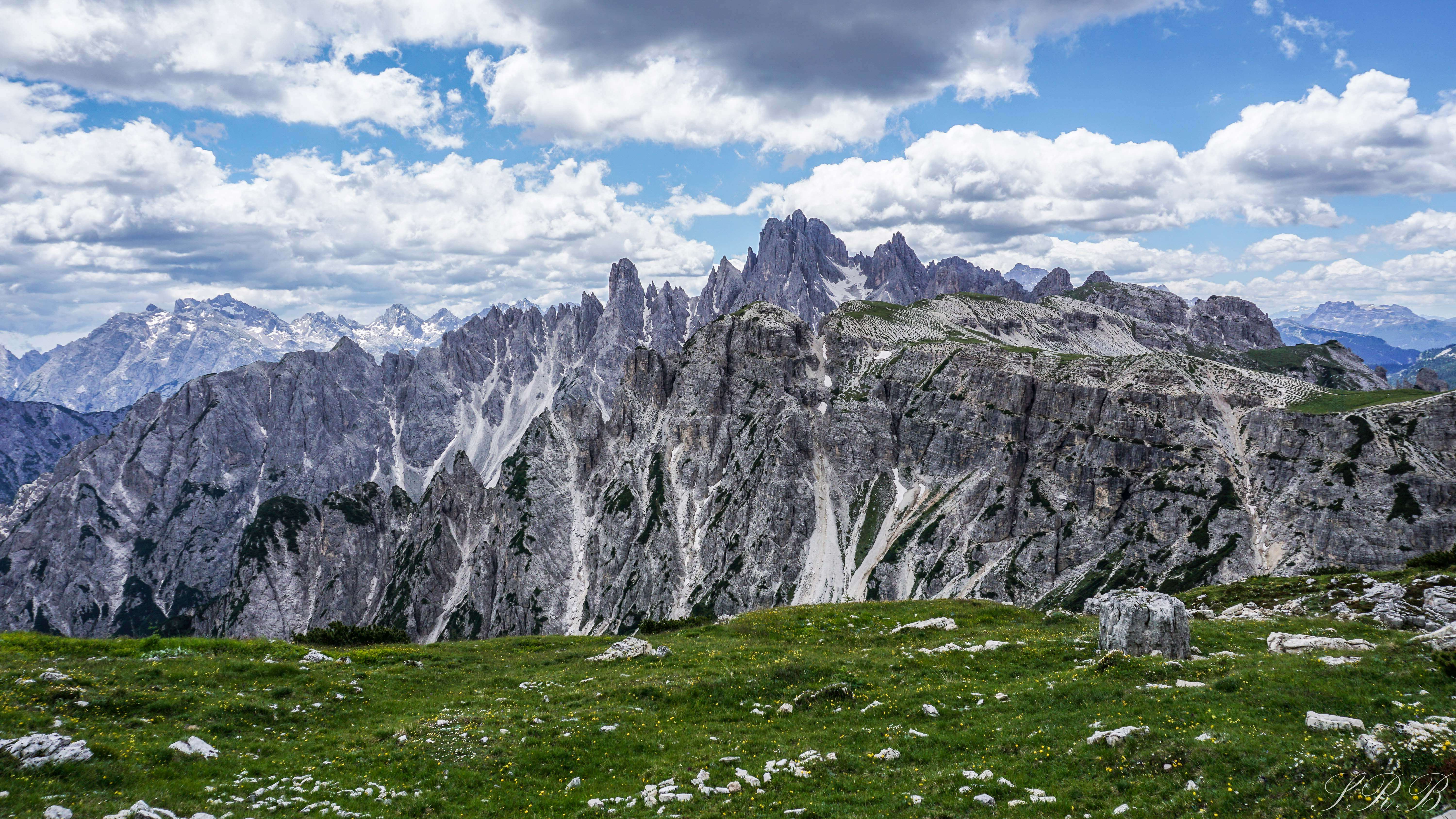 6 Breathtaking Hiking Trails in the Dolomites