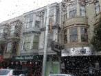 Castro district, San Francisco, from the car. Le quartier de Castro vu depuis la voiture.