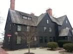 The House of The Seven Gables: Nathaniel Hawthorne's museum in Salem. La maison aux sept pignons. Le musée de Nathaniel Hawthorne à Salem.