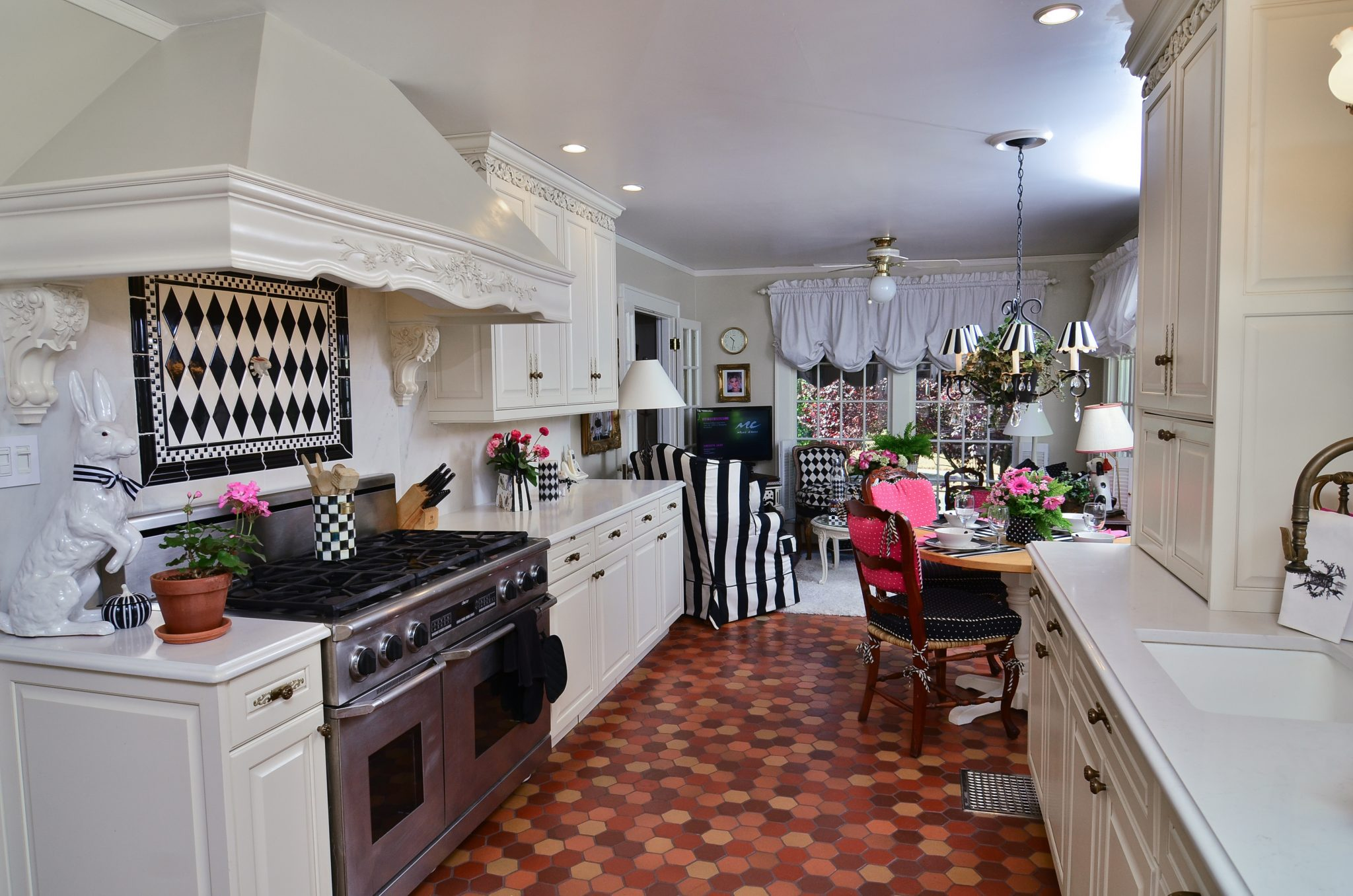 Kitchen layout and design Ovation design-build