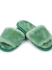 Меховые тапочки с открытым носом,светло зеленые