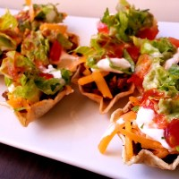 mini taco salad cups!