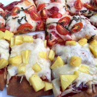 Healthy Hawaiian Pizzas!