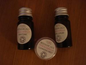www.over40andamumtoone.com Botanicals Facial Range