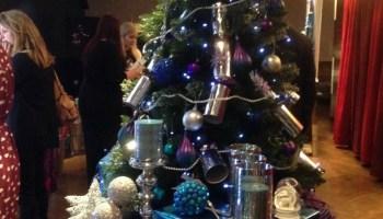 Kraft jingle wobble rudolph christmas cracker making kit over 40 christmas with wilko solutioingenieria Gallery