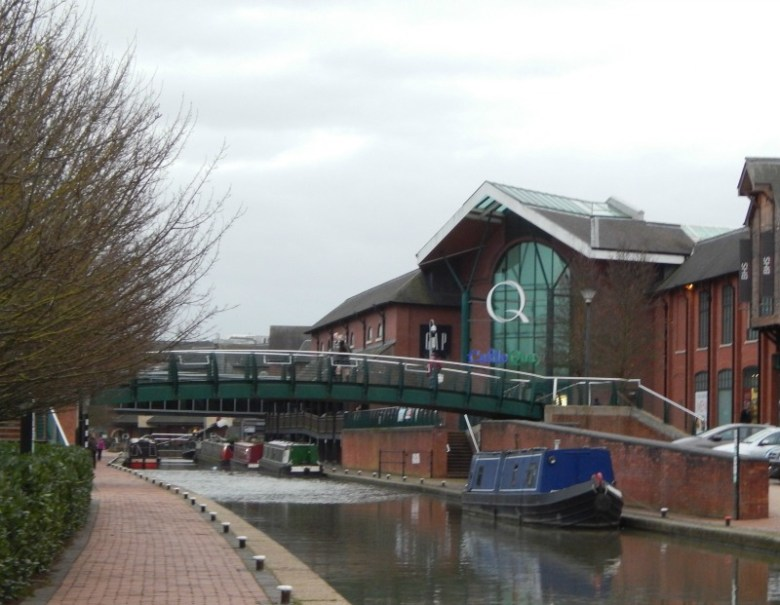 A quick stroll by the Oxford Canal