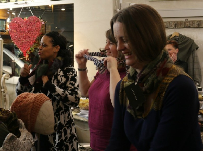 Scarf demo Olivia May with LisaB Styling