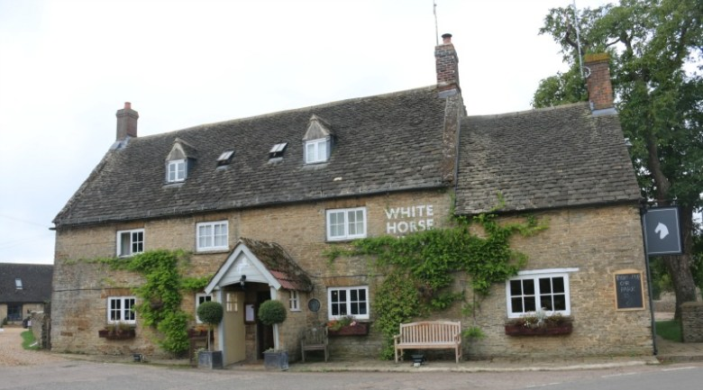 The White Horse at Duns Tew