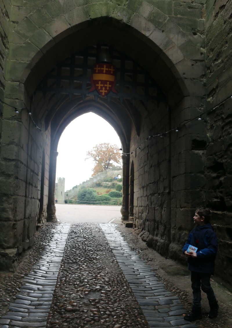 getting-in-the-christmas-spirit-at-warwick-castle-52