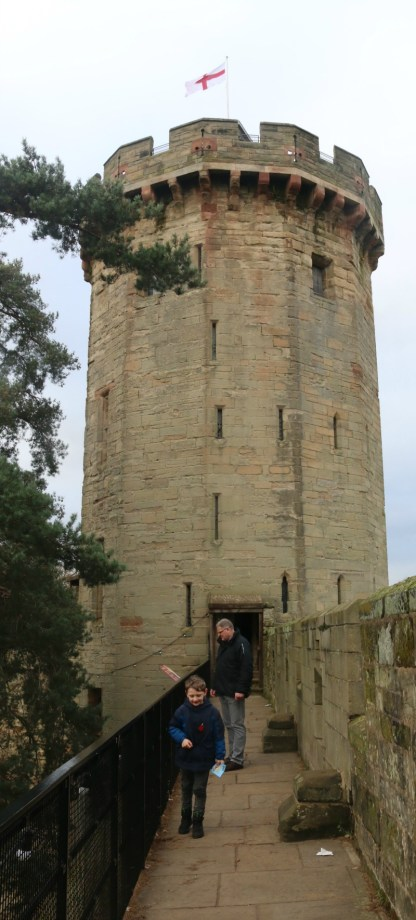 getting-in-the-christmas-spirit-at-warwick-castle