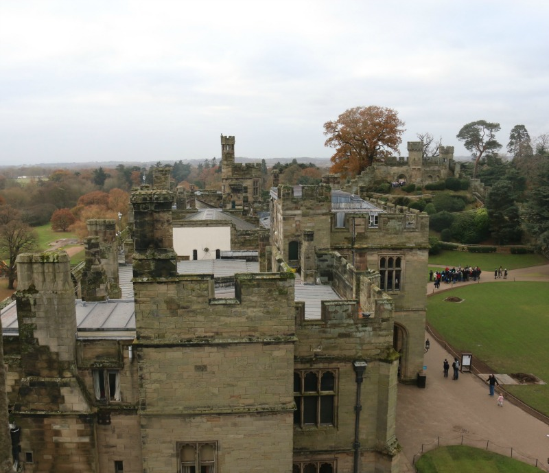 getting-in-the-christmas-spirit-at-warwick-castle-64