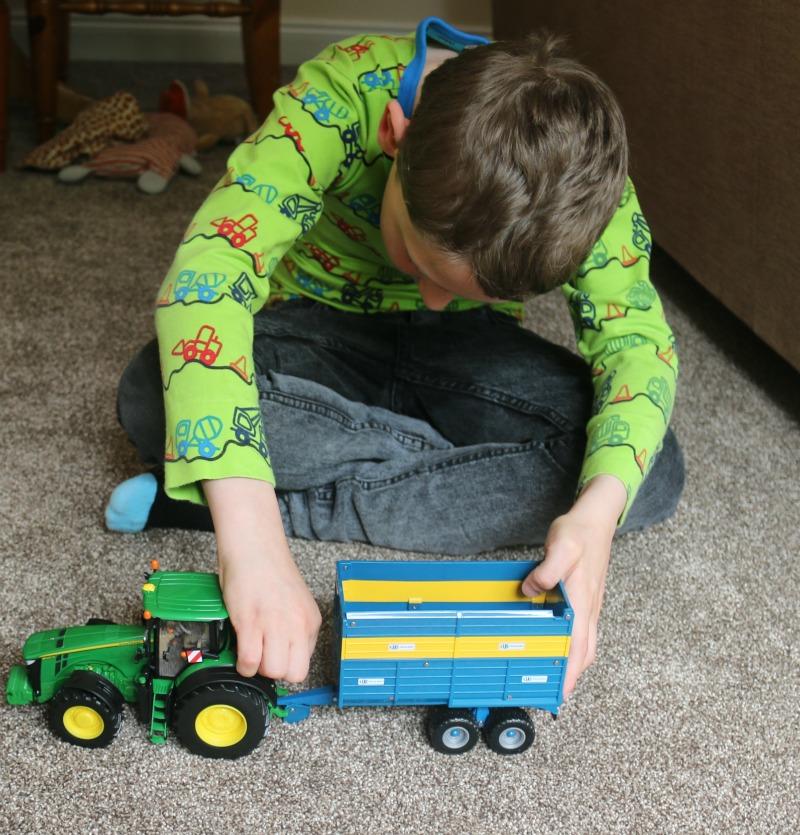 Britains John Deere 8400R Tractor