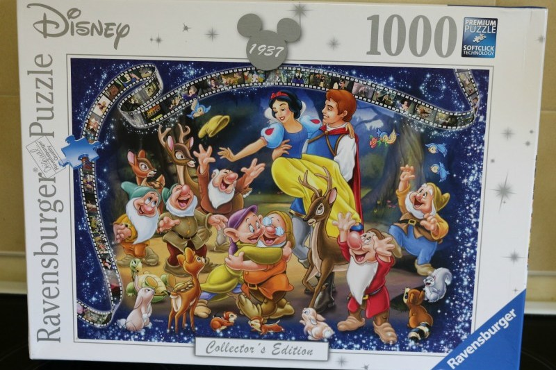 Disney Collectors Edition Snow White 1000 Piece Puzzle