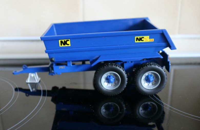 Britains NC Power Tilt Dump Trailer