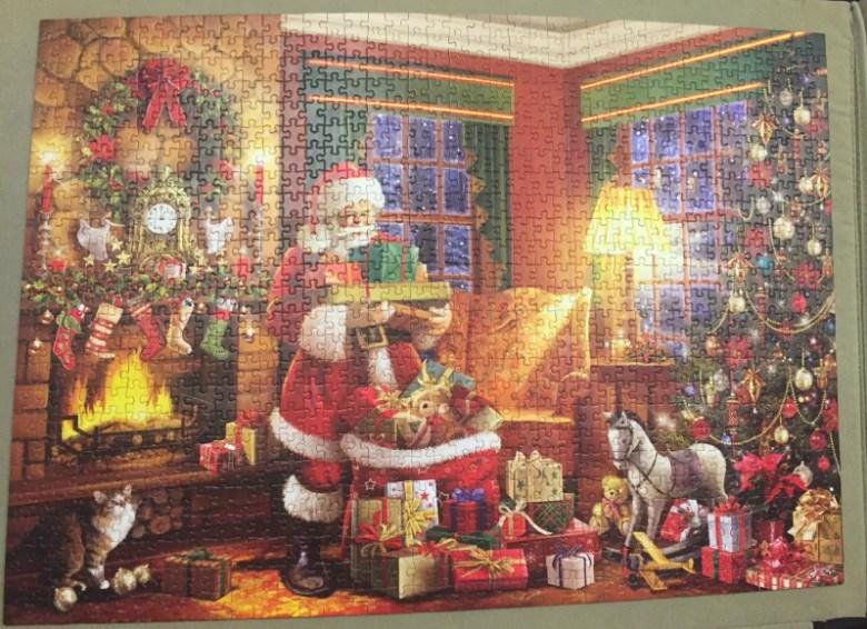 Falcon de luxe Santa's Christmas Helpers