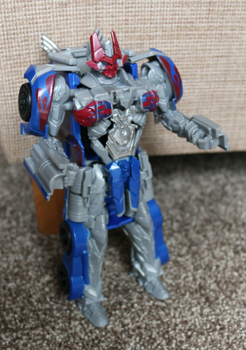 Knight Armour Turbo Changer Optimus Prime Figure
