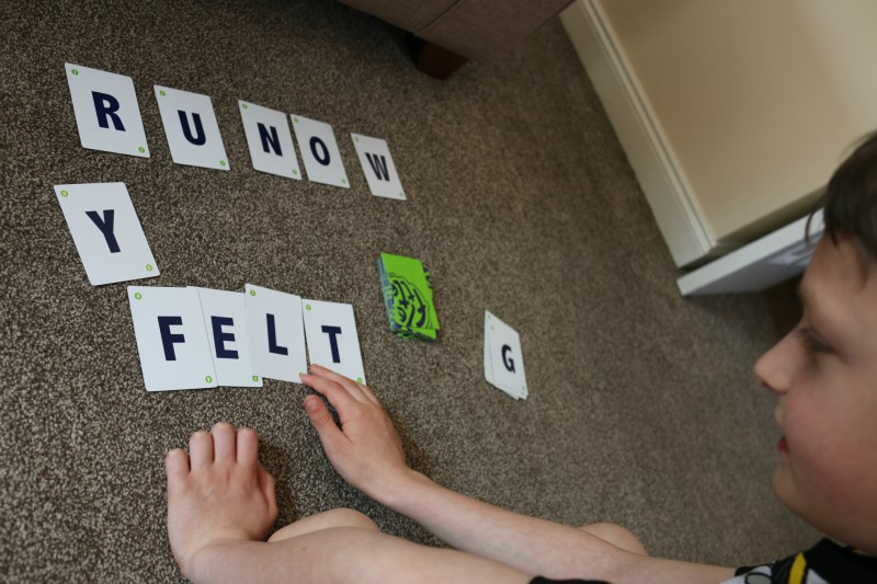 Fletter word game