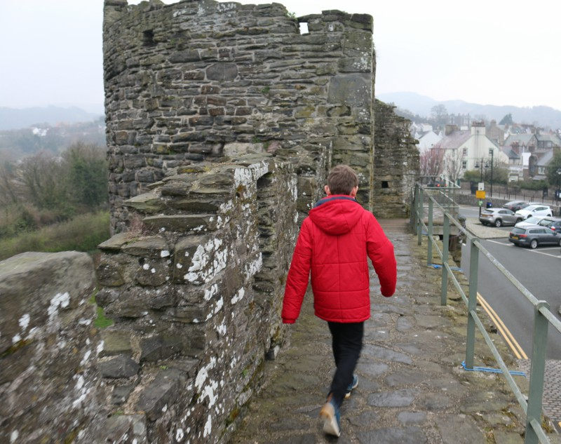 Walking the town walls of Conwy