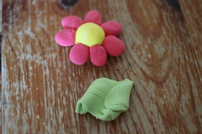 Mess free creativity with Mix-Up Clay