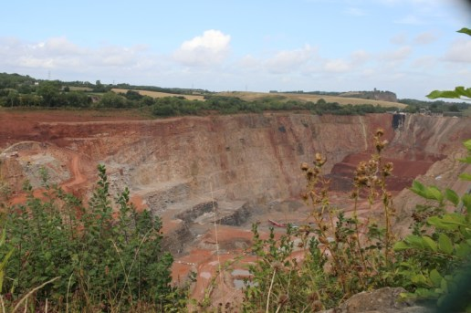 Walking to Cloud Hill Quarry