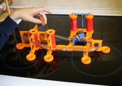 Geomag Mechanics Gravity Shoot and Catch