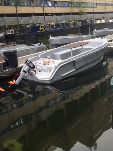 Exploring Regents Canal with GoBoat London 3