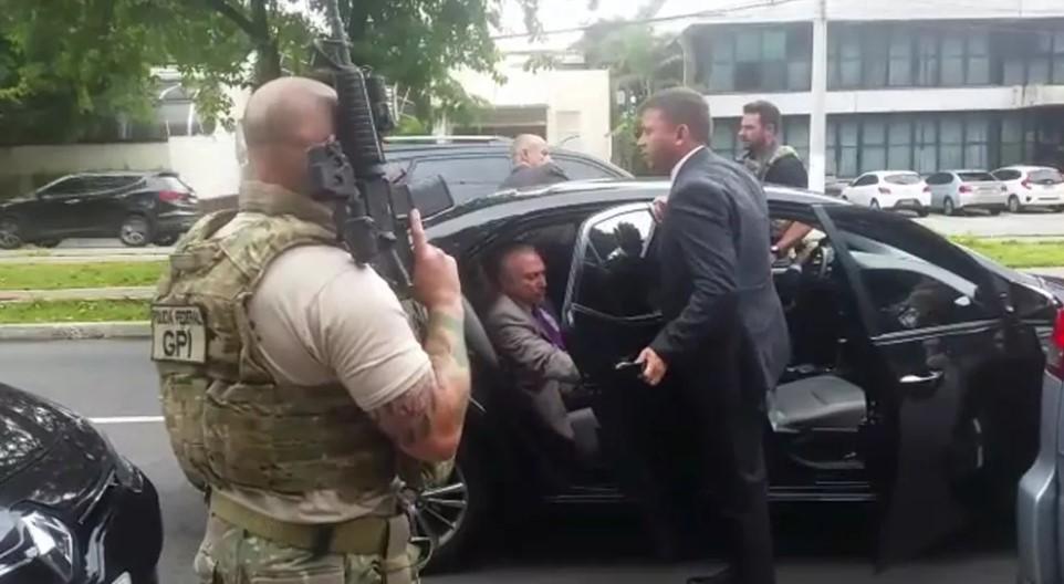 Michel Temer sendo preso