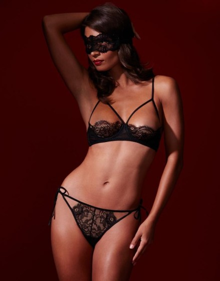 Mayfair Lace set by figleaves London