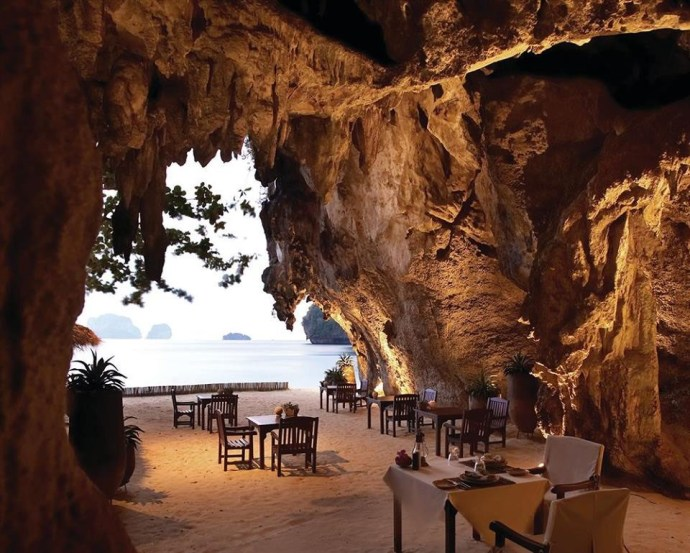 restaurants-with-eyecandy-ngorongoro-cave-dining