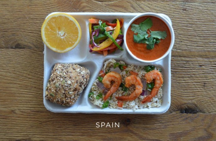 3042318-slide-s-10-heres-what-school-lunches-look-like-spain