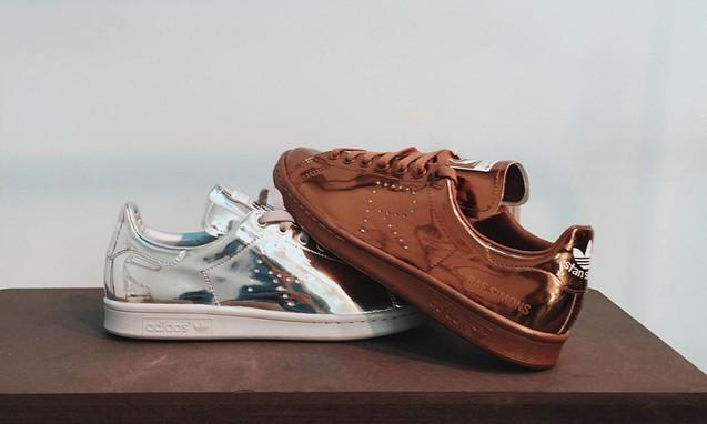 article_1435721217_raf-simons-adidas-stan-smith-metallic-1