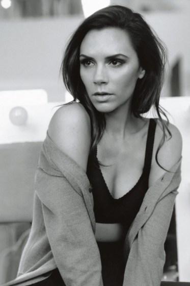 Victoria-Beckham-February-2011-Vogue-14aug13-Alasdair-McLellan