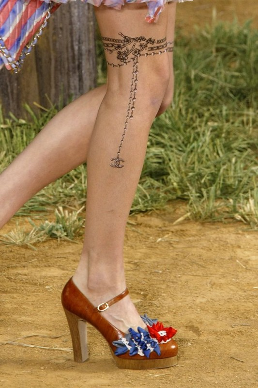 history-of-tattoos-on-the-runway-04