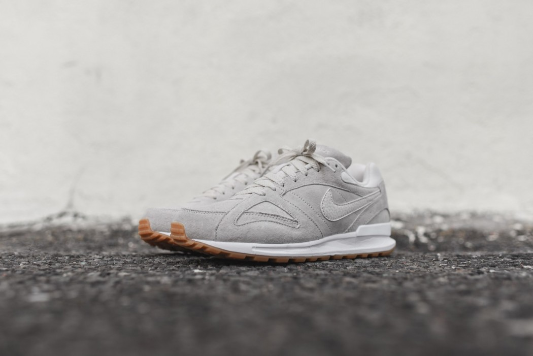 nike-air-pegasus-new-racer-phantom-02