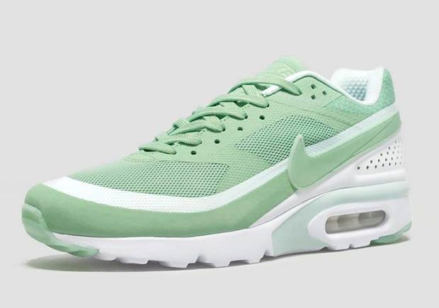 nike-air-max-bw-ultra-enamel-green-2