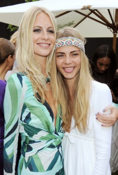 model-siblings-poppy-delevingne-cara-delevingne_113632623696