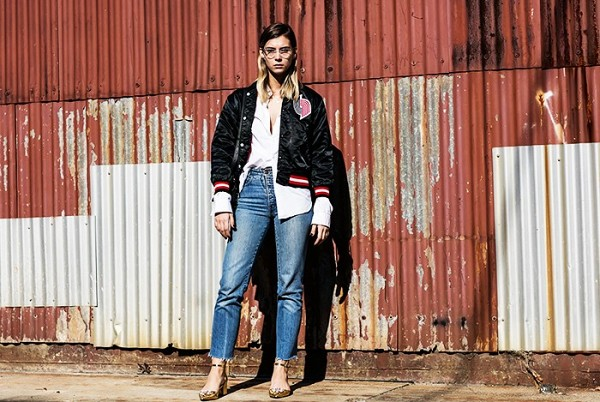 how-the-most-stylish-women-pull-off-high-waisted-jeans-1870242-1471297370.600x0c