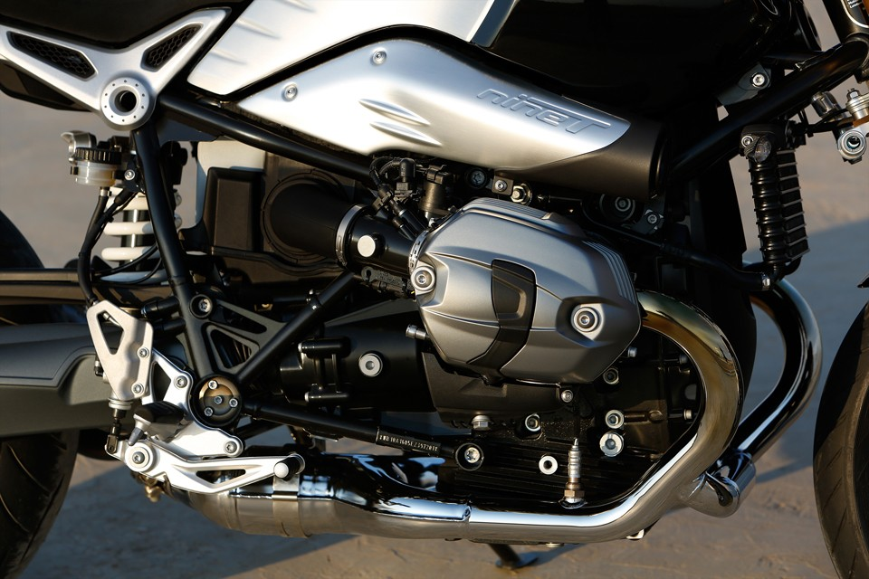 BMW-R-nineT-90th-Anniversary-Motorcycle-03