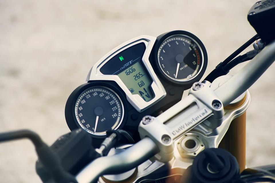 BMW-R-nineT-90th-Anniversary-Motorcycle-06