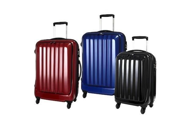 Minami Aoyama「東京商務」系列行李箱共有三色,共推出18吋、24吋,定價$5000~$6200,新品上市8.5折優惠。