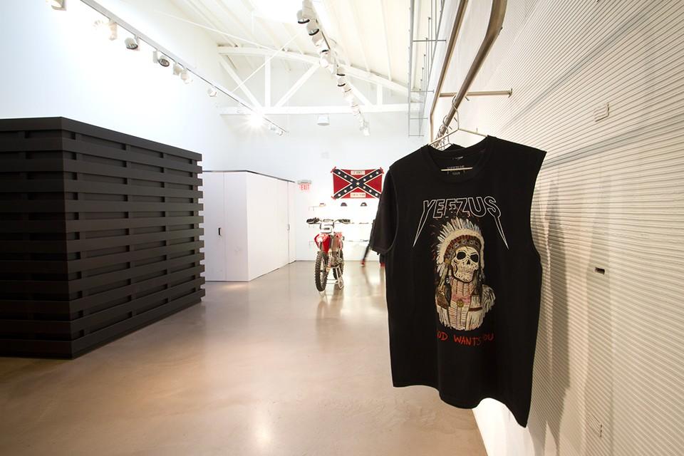 -Yeezus-Tour-Pop-Up-Shop-6