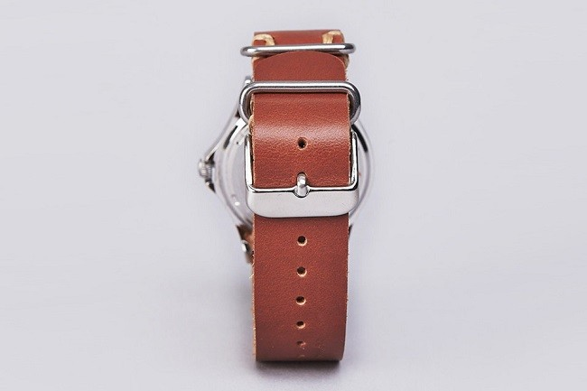 carhartt-military-watch-less-is-more-02