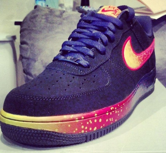 nike-air-force-1-low-asteroid-1