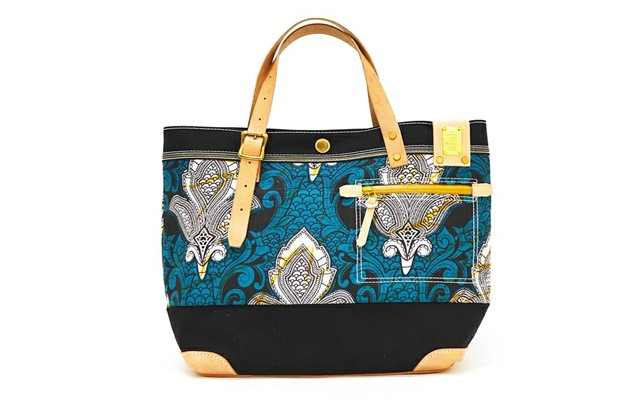 ships-jet-blue-x-master-piece-2013-fallwinter-batik-tote-bag-1