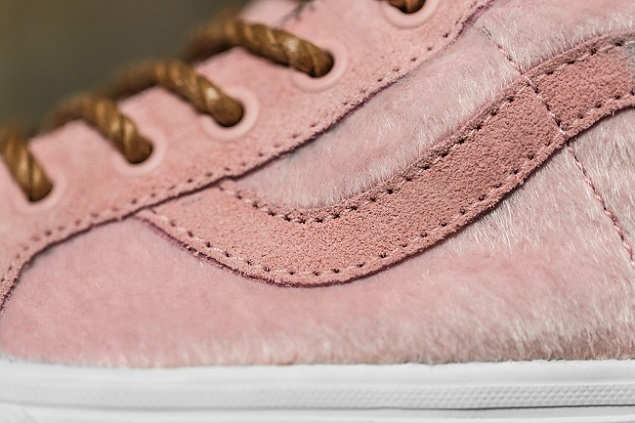 a-closer-look-at-the-vans-sk8-hi-year-of-the-horse-pack-6