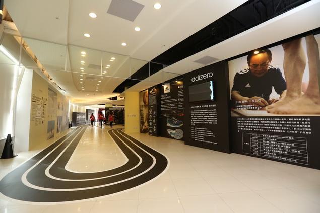 adidas RUNNING LAB TAIPEI 以室內擬真跑道為設計動線環繞整個場館 完整集結全方位的跑者服務體驗項目_003