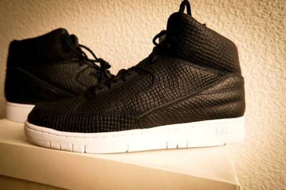 dover-st-market-nike-air-python-2